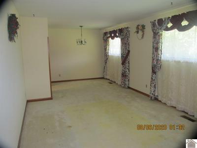 415 W CLAY ST, Clinton, KY 42031 - Photo 2