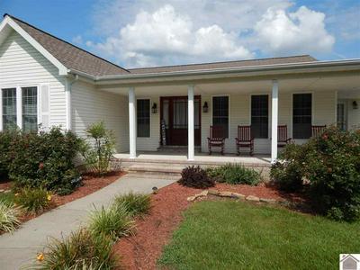 190 CASTLEBERRY LN, Benton, KY 42025 - Photo 2