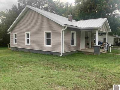414 S 10TH ST, Murray, KY 42071 - Photo 2