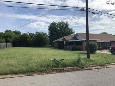 818 GERALD ST, Wichita Falls, TX 76301 - Photo 2