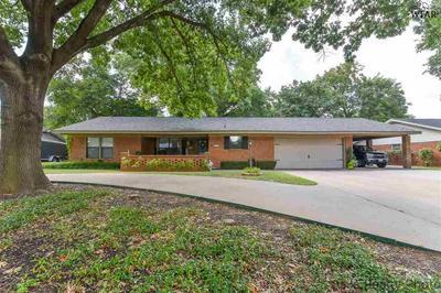 813 MOHAWK DR, Burkburnett, TX 76354 - Photo 1