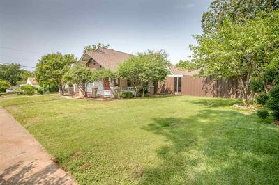 2914 9TH ST, Wichita Falls, TX 76301 - Photo 2