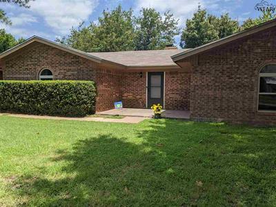 1205 DANBERRY ST, Burkburnett, TX 76354 - Photo 2