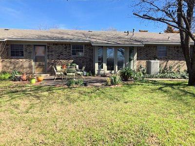 815 N GRAHAM ST, Henrietta, TX 76365 - Photo 2