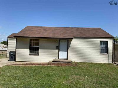 601 SUNSET DR, Wichita Falls, TX 76301 - Photo 1