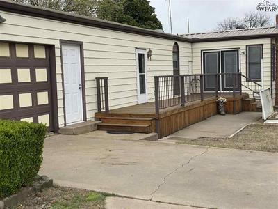 4425 W ARROWHEAD DR, WICHITA FALLS, TX 76310 - Photo 2