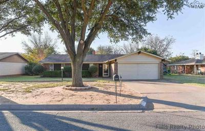 976 CHERYL DR, Burkburnett, TX 76354 - Photo 1