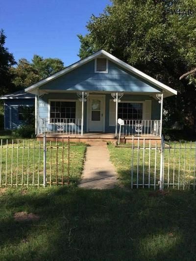 617 PARK ST, Burkburnett, TX 76354 - Photo 1