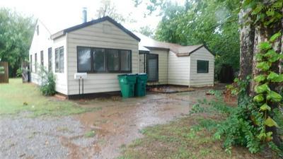 103 LILY ST, Burkburnett, TX 76354 - Photo 1