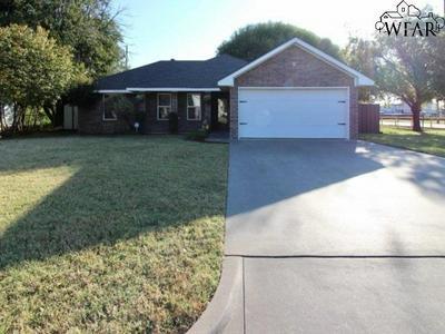 415 S HOLLY ST, Burkburnett, TX 76354 - Photo 1