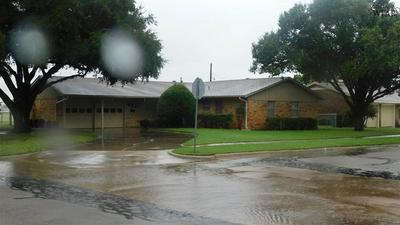 901 MIMOSA ST, Burkburnett, TX 76354 - Photo 1