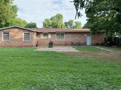 503 GLENDALE ST, Burkburnett, TX 76354 - Photo 2