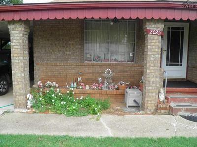 2025 GILBERT AVE, Wichita Falls, TX 76301 - Photo 2