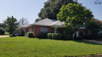 2303 GORDON ST, Vernon, TX 76384 - Photo 1