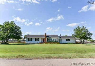 400 E SUNSHINE HILL RD, Electra, TX 76360 - Photo 1