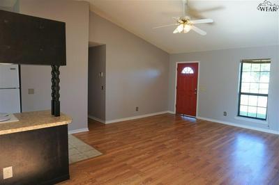 1613 CITY VIEW DR, Wichita Falls, TX 76306 - Photo 2