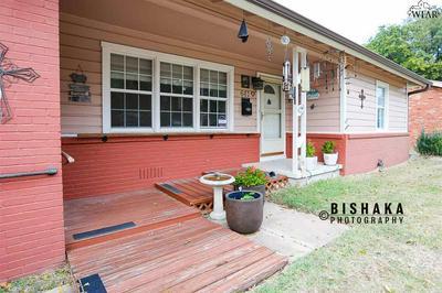 641 PECAN CT, Burkburnett, TX 76354 - Photo 2