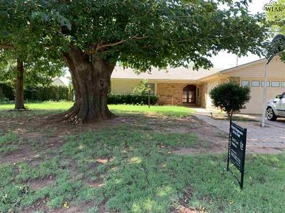 1025 JAN LEE DR, Burkburnett, TX 76354 - Photo 1