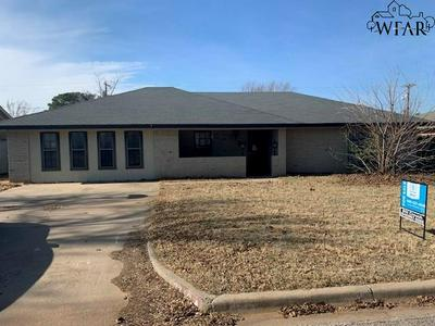 2810 WOOD ST, Vernon, TX 76384 - Photo 1