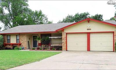 203 S FAIRWAY ST, Henrietta, TX 76365 - Photo 2