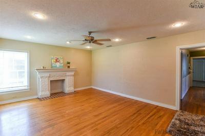 1659 ARDATH AVE, Wichita Falls, TX 76301 - Photo 2