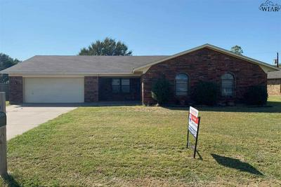 1418 SIOUX LN, Burkburnett, TX 76354 - Photo 1