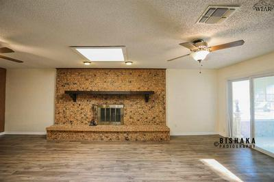 1000 ARTHUR ST, Burkburnett, TX 76354 - Photo 2