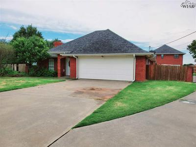 1344 SYCAMORE DR, Burkburnett, TX 76354 - Photo 1