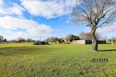 144 CREST TRL, WICHITA FALLS, TX 76310 - Photo 1