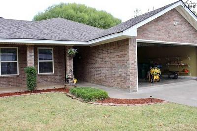 415 S HOLLY ST, Burkburnett, TX 76354 - Photo 2