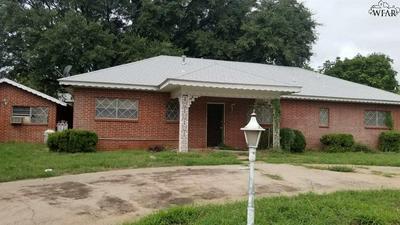 2303 GORDON ST, Vernon, TX 76384 - Photo 2