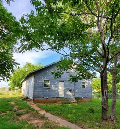 1606 TRAVIS ST, Wichita Falls, TX 76301 - Photo 2
