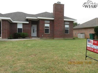 506 HORSESHOE LN, Burkburnett, TX 76354 - Photo 1