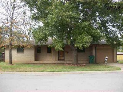 1008 ROSEBUD ST, Burkburnett, TX 76354 - Photo 1