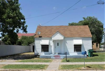 408 E GILBERT ST, Henrietta, TX 76365 - Photo 1