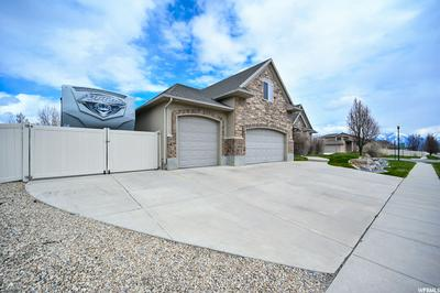5386 W LITTLE WATER PEAK DR, RIVERTON, UT 84096 - Photo 2