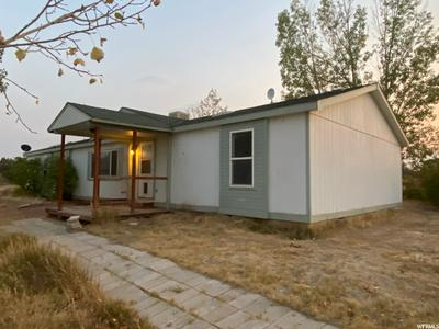 4867 W 250 S, Roosevelt, UT 84066 - Photo 2