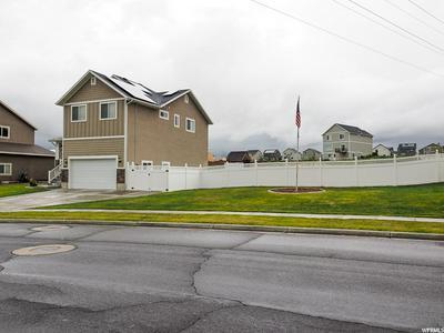 987 MOUNTAIN SHADOW DR, Layton, UT 84040 - Photo 2