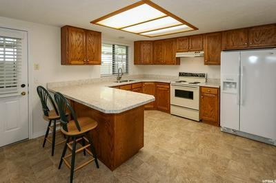 1162 N 725 W, Centerville, UT 84014 - Photo 2