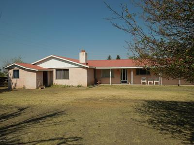 215 E 4TH ST, Eagar, AZ 85925 - Photo 2