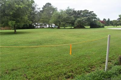604 PATRICKS CREEK RD, Yorktown, VA 23692 - Photo 1