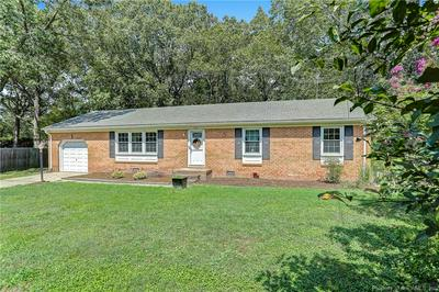 107 EVERGREEN CIR, Seaford, VA 23696 - Photo 2