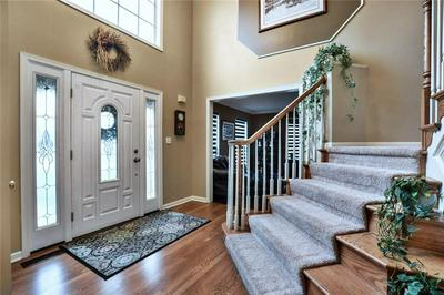 652 WATER VIEW DR, CRANBERRY TOWNSHIP, PA 16066 - Photo 2