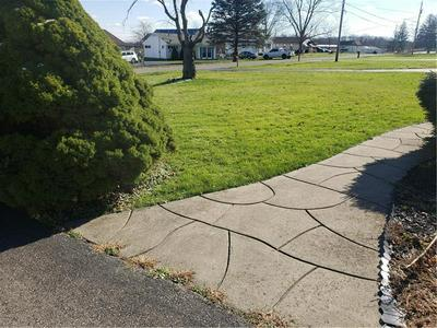 14 LOWER IDLEWILD DR, New Castle, PA 16101 - Photo 2