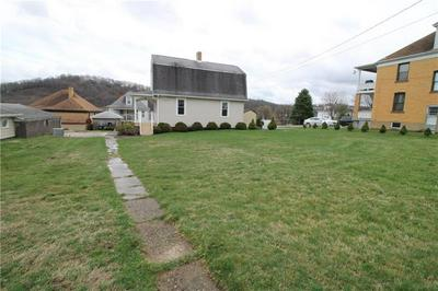 422 CHARTIERS AVE, Canonsburg, PA 15317 - Photo 2
