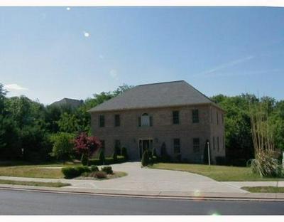 2515 MATTERHORN DR, Franklin Park, PA 15090 - Photo 1