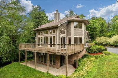 509 SHARON RD, Coraopolis, PA 15108 - Photo 2