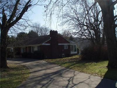 200 LINCOLN AVE, APOLLO, PA 15613 - Photo 2