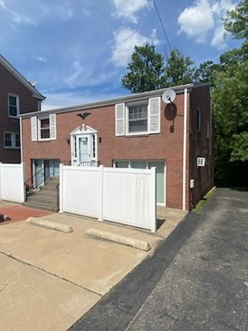 6435 LIBRARY RD, South Park, PA 15129 - Photo 2