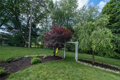 1916 S CLEARVIEW RD, Glenshaw, PA 15116 - Photo 2